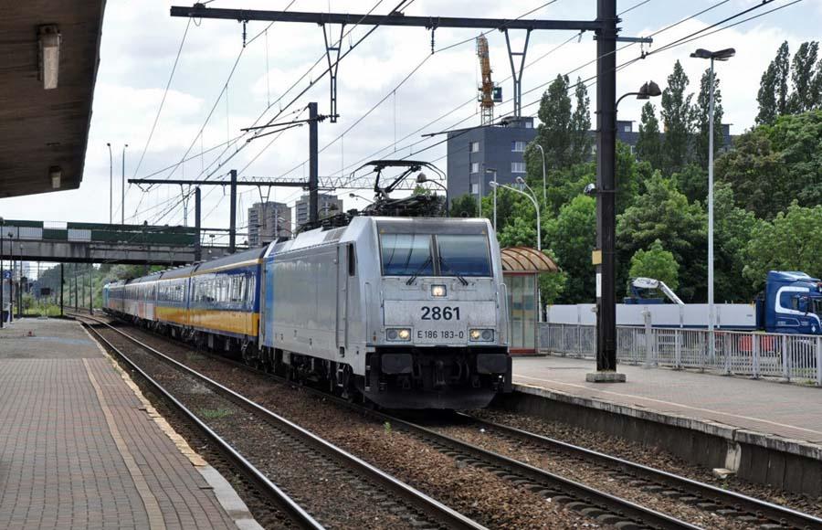 trein naar amsterdam vanuit antwerpen